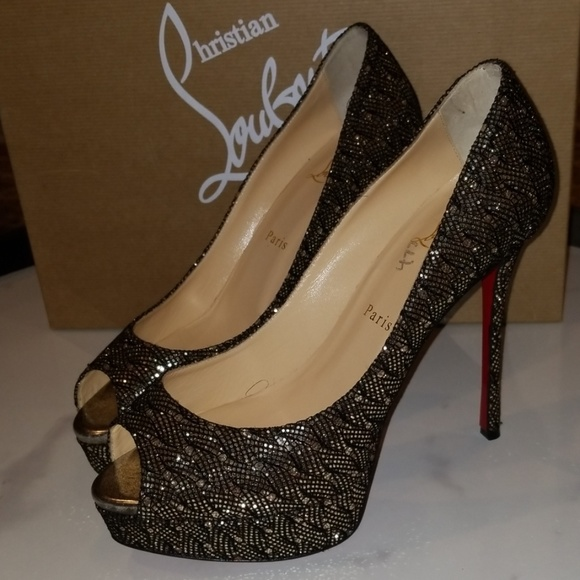 051f4b69bf4 Christian Louboutin Shoes | Peep Toe Pumps | Poshmark